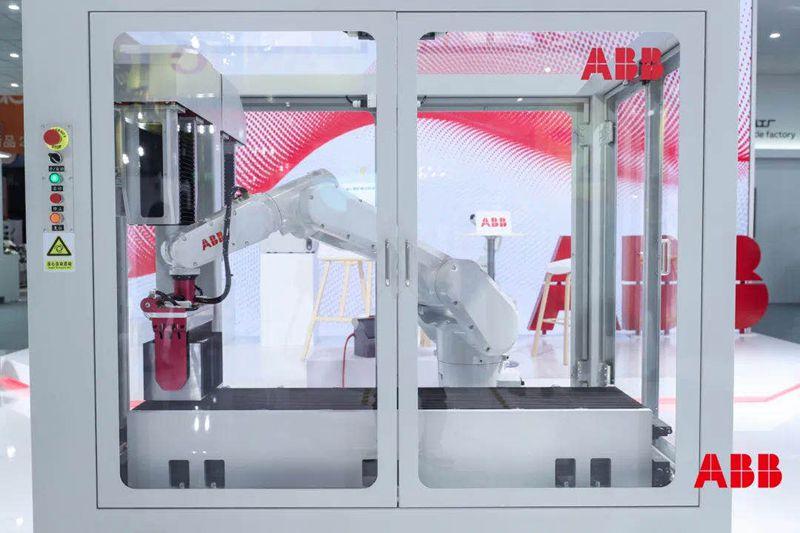 ABB推出速度更快、功能更强、适用狭小空间的IRB 1300小型机器人